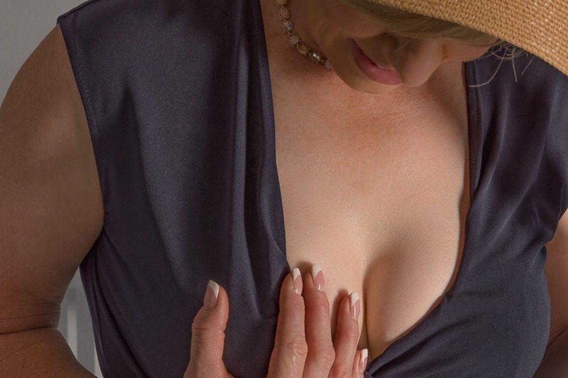 Ashlee Cordeaux Revealing Breast